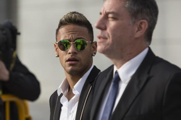 إدارة البارصا غاضبة من نايمار بسبب ما فعله بعد مباراة فياريال
