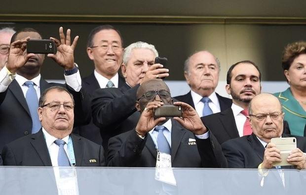 كأس العالم  بلاتير يكرم الفريق الفائز ببطولة كأس العالم 2014