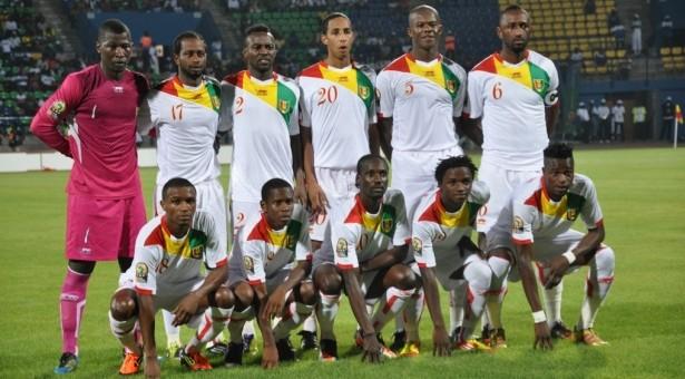 الاتحاد السنغالي ينتقد حكومته بسبب عدم توفيرها طائرة خاصة large-76924%D8%A7%D9