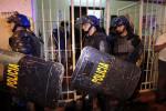 """""""بطريقة هوليودية"""".. هروب 75 سجينًا في باراغواي"""
