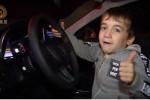 طفل يربح سيارة مرسيدس بعد أداء تمرين الضغط لساعتين